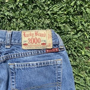 LUCKY BRAND🍀2000 COLLECTABLE MEDIUM WASH JEANS